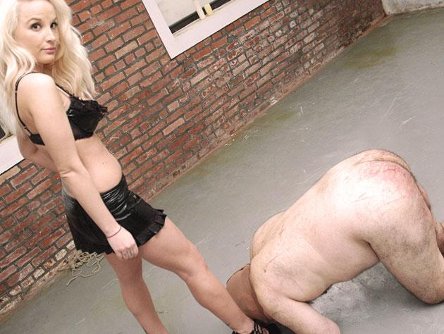 BDSM Foot Worship