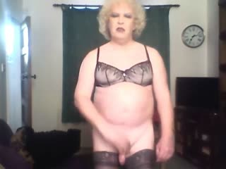 Sissy Michelle Playing and Cumming