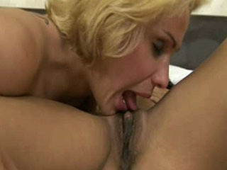 hot shemale with sexy lady
