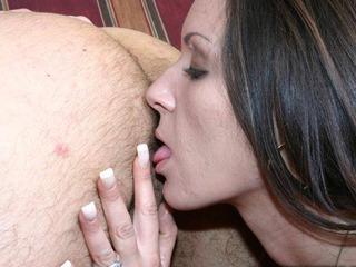 Zoe Belmont enjoys some ass munching
