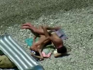 Sexy teenagers fuck on the shore