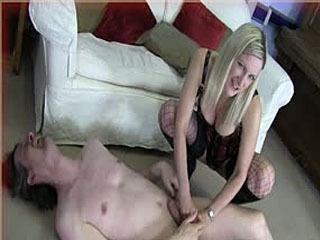 Nikki & Mistress T Ballbusting