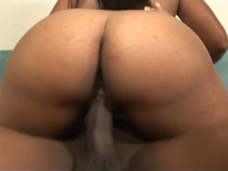 Thalia Tategets her pussy pussy fucked nicely