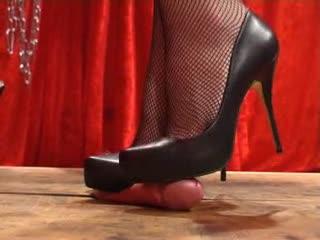 shoejob - heel of pain