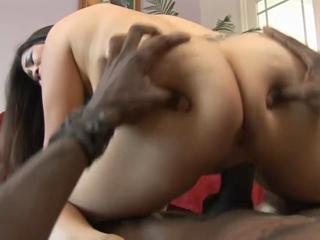 Jessica Bangkok Takes A Huge Cock