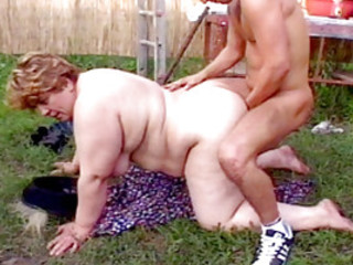 BBW Brunette Fucking In the Outdoors