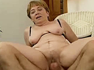 Old lady drills dick