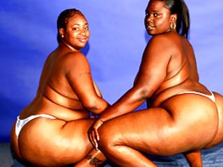 Lesbian BBWs Eat Each Others' Asses