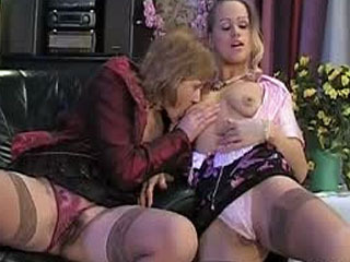 Breathtaking kiss-n-lick action with lascivious mature chick and young babe