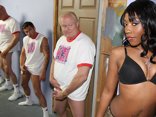 Queen Diva loves white dick