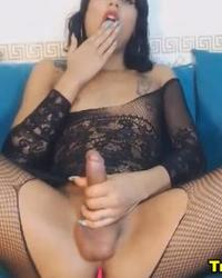Big Dick Handjob Shemale Brunette