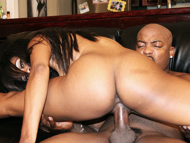 Vivica's glorious ass pounds on a dick