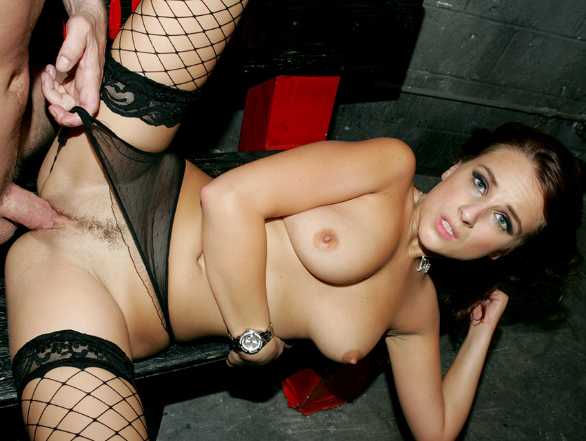 Sexy babe in stockings loves cock