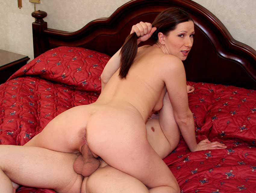 Alexandra takes a dick ride