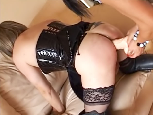 Crossdresser slut thrashed with a huge dildo