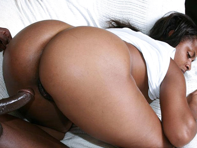 Black Hoe Has A HUGE Ass