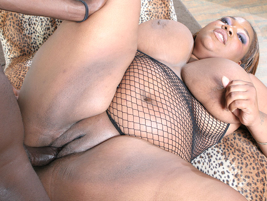 Chubby black girl loves cock