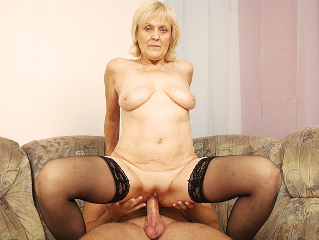 Horny Granny In A Hardcore Fucking Action