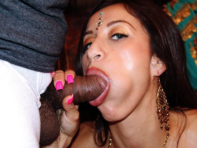 Mhela Gives Gives Amazing Head