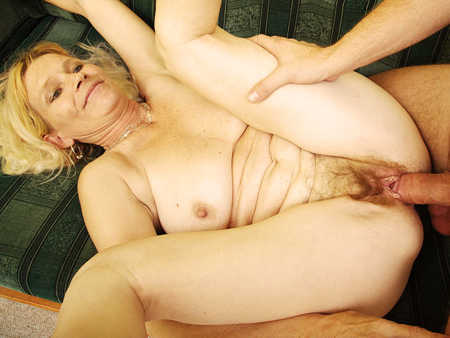 Hot Old Blondie Getting Freaky