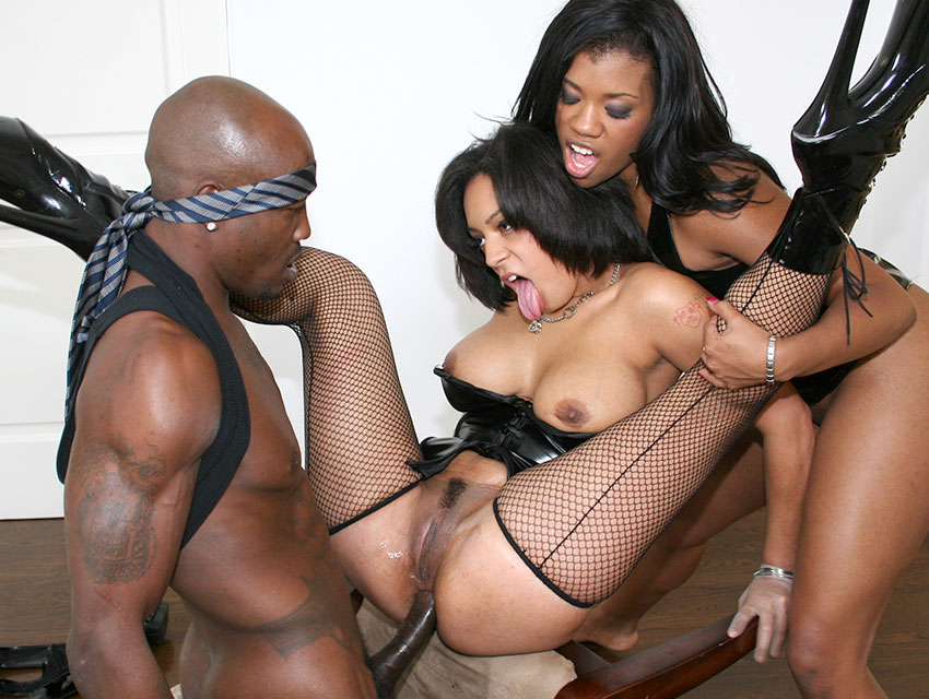 Black anal threesome