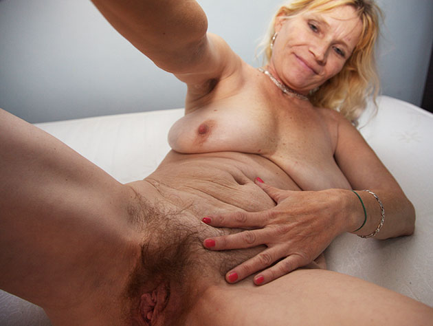 Look Into Granny's Love Hole