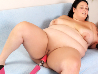 Lustful BBW Valhalla Lee Rides A Fucking Machine All The Way To Orgasm