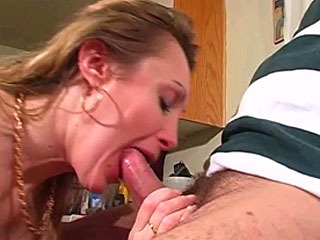 Blonde MILF gets a dildo in her cunt and gives a blowjob