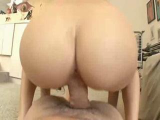 Sexy babe bounces on a cock and takes a facial