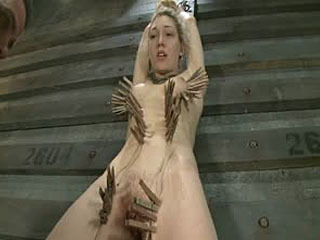 Training Lily LaBeau Dag 4: Vroege Invasion, Exercise, En Bastinado