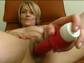 Hot German MILF Gets Horny And Facialized