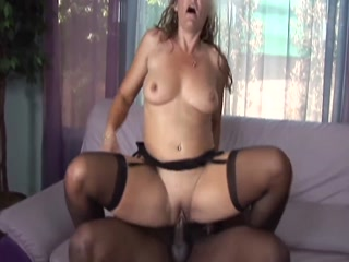 Horny MILF Gets Fat Dick Deep Inside Her Pussy