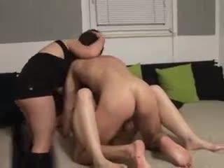 Ballbuster geben Sexvideos frei