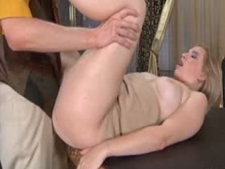 Smashing Mature Babe Getting Hooked By An Eager Guy For Hardcore Session
