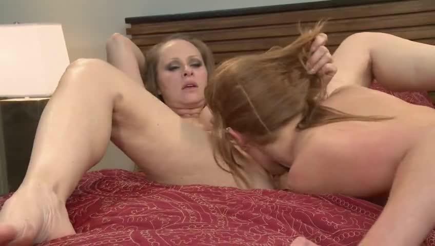 Lesbo Real Estate porno