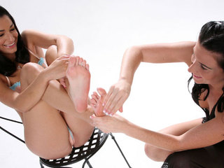 Elena And Ariel X Fuck Each Other With Their Feet