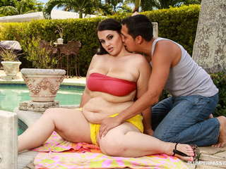 Plumper Pounding By The Pool