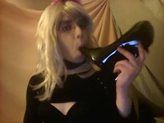 Сисси Каролина Любит Свои Каблуки