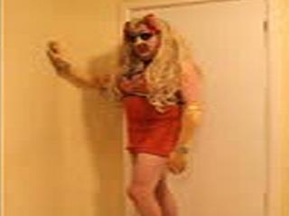 Puta Travesti Loura No Vestido Bra Parafuso Prisioneiro