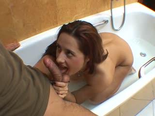 Cute Readhead Sucking A Cock In The Tub