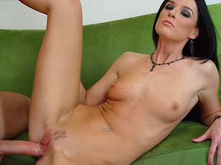 Hot MILF India Summers gets a cum load dropped in her pussy