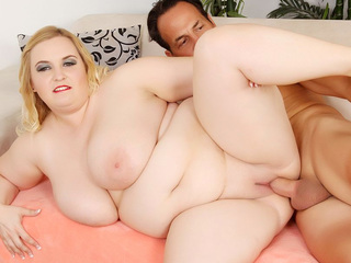 BBW Nikki Gets Banged