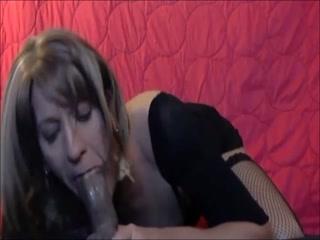 Sissy Vikki Slaton Loves To Suck A Dick