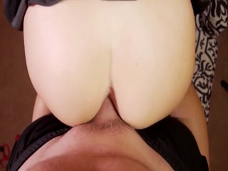 Hot MILF Looks Fabulous And Gets Massive Facial