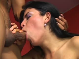 Cute Tgirl Gives A Nice Blowjob