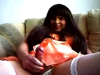Crossdresser Georgina Cums