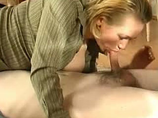 Curious Guy Getting Aroused In A Trice From The Sight Of Mom's Ripe Pussy