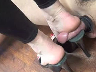 Mature Woman Big Powerful Heels Squash And Flat Small Cock