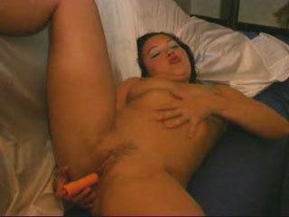 Um Hottie Tailandês Masturbates Para O Cemera