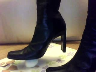 How To Peel A Boiled Egg In High Heel Boots